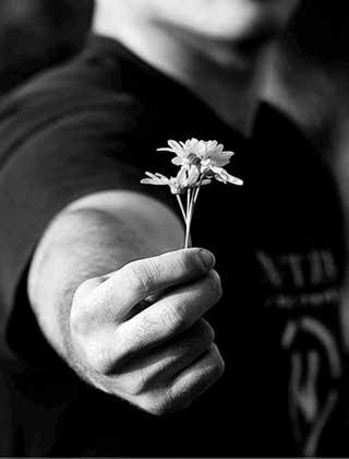 دست و دل باز باشید.